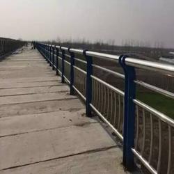 桥梁河道护栏图片