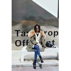 国内一线品牌雪罗拉羽绒服折扣走份图片