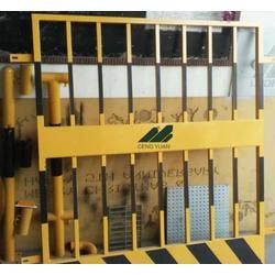 厂家直销黄色基坑围栏网井口护栏网图片