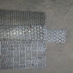 廠家熱銷 不銹鋼裝飾板-圓孔沖孔網 金屬過濾網定制圖片