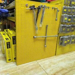 厂家直销镀锌冲孔板 圆孔网 洞洞板 超市货架挂架万能冲孔网图片