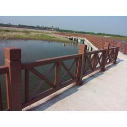 南京塑木护栏哪家好-正洋水泥罗马柱制作出售划算的塑木护栏图片
