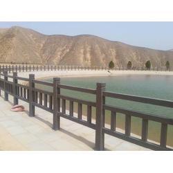 河提仿木护栏-正洋水泥罗马柱制作实惠的河提仿木护栏供应图片