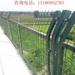 铁路隔离栅护栏 铁路线路防护栅栏 铁路护栏网专业厂家图片