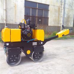 手扶压路机汽油柴油行走碾子沟槽回填土压实机单双轮滚筒式轧道机图片