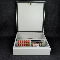 供应FTTH光缆分纤箱 插片型分路箱图片