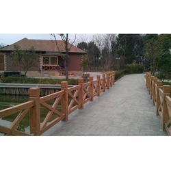 仿木围栏厂商-大量出售质量好的仿木围栏图片