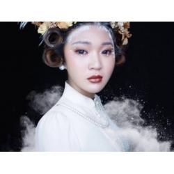 牟平化妆造型-化妆培?#24213;?#19994;机构图片