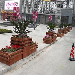 商业街防腐木花箱,道路隔离带防腐木花箱,防腐木花箱厂家图片