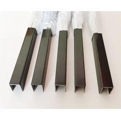 不锈钢地脚线有哪些类型 装饰线条电视墙效果图图片