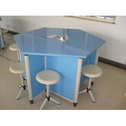 渭滨实验室六角桌公司-有品质的六角桌推荐图片
