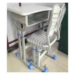 西安实用的西安生产课桌椅厂家-陕西朱雀公司具有口碑的钢木课桌椅图片