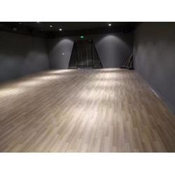 西丽留仙(众程装饰)贴瓷砖,木地板,装修泥水工施工服务周到图片