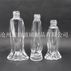 雕刻的雅致又充滿風情的香水玻璃瓶選康納圖片