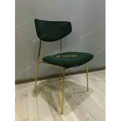 简约轻奢风金属餐椅定做,西餐厅桌椅定做,中餐厅实木椅子皮料扶手椅款式图片