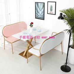 现代轻奢风桌子搭配不锈钢卡座沙发,定制餐厅卡座沙发配不锈钢桌子图片