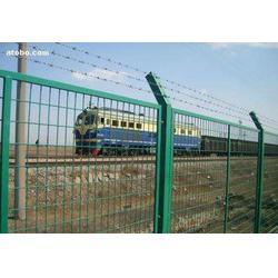 发铁路线路防护栅栏图片