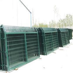 鐵路防護欄 鐵路站區防護網 鐵路專用防護網 安平廠家直銷圖片