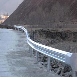 直销供应云县茂兰镇波形护栏-防撞护栏-公路安全栏图片