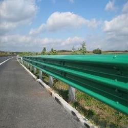 波形护栏 公路护栏 防撞护栏图片