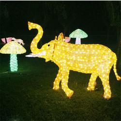 定制滴胶动物造型灯3米高长颈鹿 滴胶大象造型灯 十二生肖动物灯图片