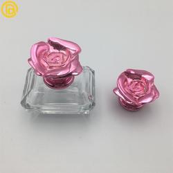 冠铖鑫创意玫瑰花香水盖 喷雾款化妆品金属盖 定制锌合金香水盖图片