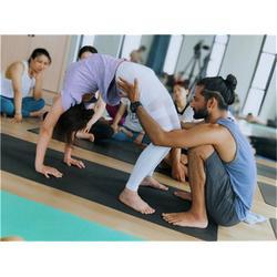 西湖区瑜伽教练-空中瑜伽教练培训-一禾瑜伽服务图片