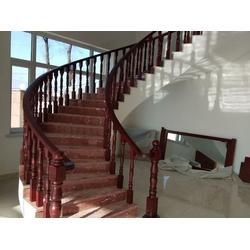 声誉好的木门供应商当属沈阳盛森励合实木楼梯 木门图片