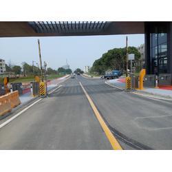 道路划线 厂区道路划线 热熔划线达尊交通工程公司图片
