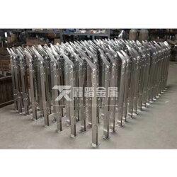 專業產銷304不銹鋼樓梯立柱 商場不銹鋼立柱工程廠家 圖冊圖片