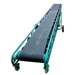 自動上料的皮帶輸送機 定制裙邊擋板爬坡皮帶輸送機圖片