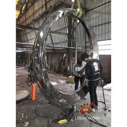 房地产不锈钢圆月景观雕塑镜面效果更加好 手工锻造图片