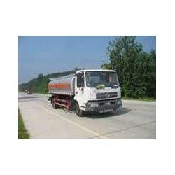 东风(4x2)7吨加油车图片