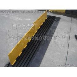 线槽 线槽减速坡 线槽减速带 线槽减速路拱图片