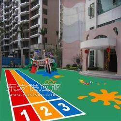 塑胶跑道施工工艺 透气型塑胶跑道图片