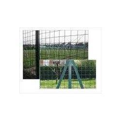 养殖铁丝网围栏散养鸡围栏图片