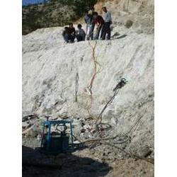 露天莹石开采机械小型施工机械图片