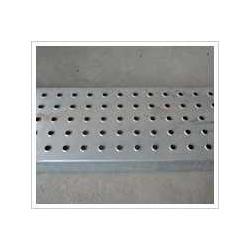 供应不同材质孔型的防滑板图片
