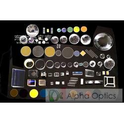 高精度光学元件图片