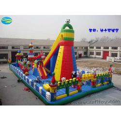 大型充气玩具让欢乐无限放大图片