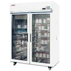 药品稳定性试验箱图片