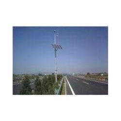 野外监控太阳能供电系统图片