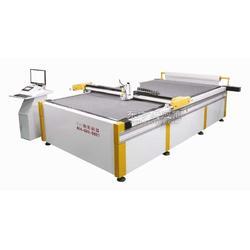 厂家直销面料PU自动裁床,服装行业软体沙发家具自动切割机图片