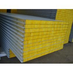 离心玻璃棉彩钢板、绿地钢构(在线咨询)、玻璃棉彩钢板图片