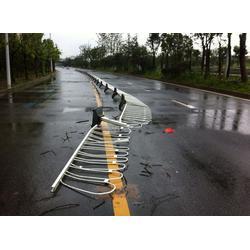 厂区指路牌|华鹏交通科技(在线咨询)|临沂指路牌图片
