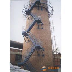 烟囱安装折梯-专业烟囱安装公司图片