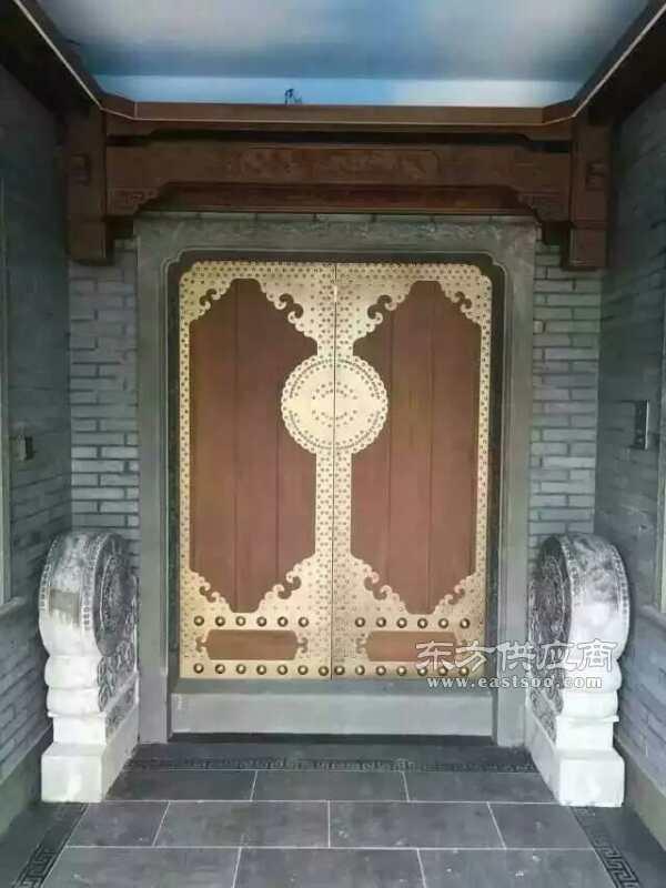 图片门-富人别墅(查看)中式大海别墅门楼铜门上海区别墅图片