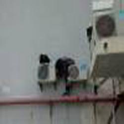 南山村空调拆装 空调维修清洗 佳嘉豪苑空调拆装图片