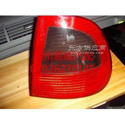 奔驰C180汽车配件图片