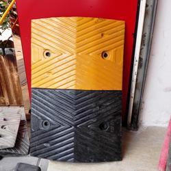 橡胶减速带,金欧消防,橡胶减速带供应图片